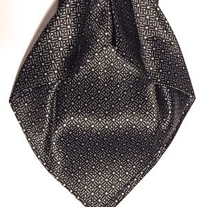 Cremieux Limited 7 Fold Black Silver Geometric Tie